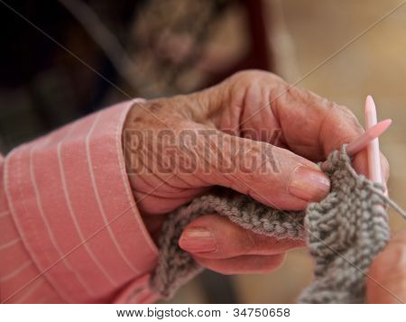Senior, Knitting