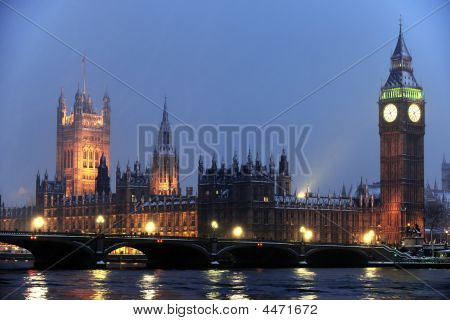 Houses Of Parliament In The Snow At Nightfall