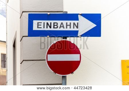 way street, two road signs, symbolic photo for traffic regulations, direction, clarity