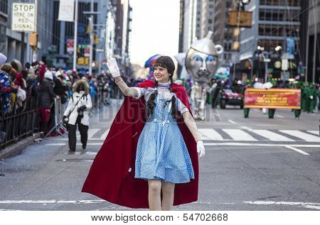 Dorothy from the Wizard of Oz on 6th Avenue