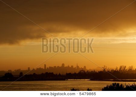 Alameda With San Francisco Skyline