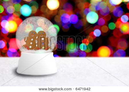 Snow Globe With Gingerbread Man Couple