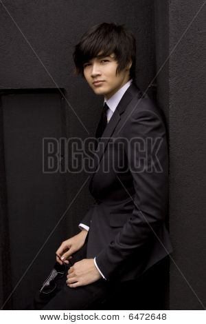 Young Model Indark Suit