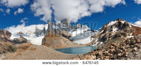 Cerro Fitz Roy & Laguna De Los Tres, Patagonia, Argentina - Panoramic View