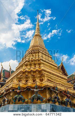 Golden Pagoda In Wat Pra Keaw , Bangkok