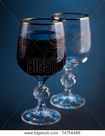 Full and empty wine glasses