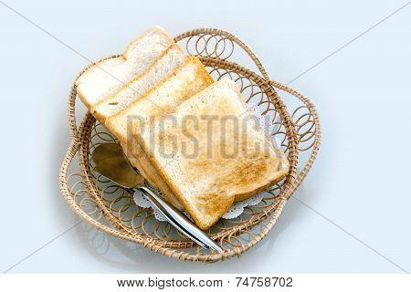 Toat Slide Whole Weet Bread On Rattan Basket