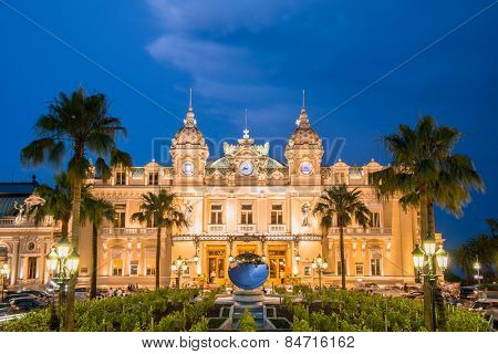 MONTE CARLO - JULY 4: Monte Carlo casino in Monaco on July 4, 2013 in Nice. Monte Carlo is the most famous casino in Europe