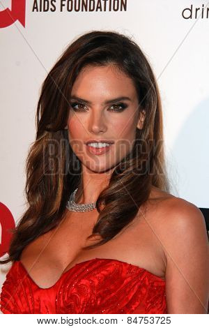 LOS ANGELES - FEB 22:  Alessandra Ambrosio at the Elton John Oscar Party 2015 at the City Of West Hollywood Park on February 22, 2015 in West Hollywood, CA