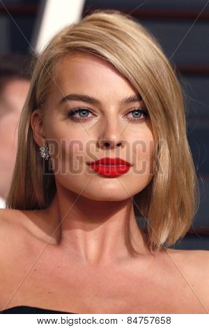 LOS ANGELES - FEB 22:  Margot Robbie at the Vanity Fair Oscar Party 2015 at the Wallis Annenberg Center for the Performing Arts on February 22, 2015 in Beverly Hills, CA