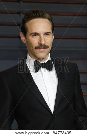 LOS ANGELES - FEB 22:  Alessandro Nivola at the Vanity Fair Oscar Party 2015 at the Wallis Annenberg Center for the Performing Arts on February 22, 2015 in Beverly Hills, CA