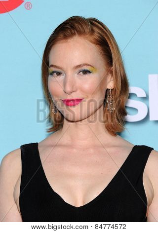 LOS ANGELES - JAN 05:  Alicia Witt arrives to the Showtime celebrates all-new seasons of Shameless, House of Lies and Episodes  on January 5, 2015 in West Hollywood, CA