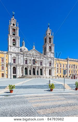 Mafra National Palace, Convent and Basilica in Portugal. Franciscan Religious Order. Baroque architecture. Mafra, Portugal