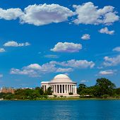 pic of thomas jefferson memorial  - Thomas Jefferson memorial in Washington DC USA - JPG