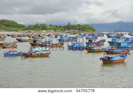 Nha Trang, Vietnam - October 5, 2011: Fishing Boats Are Mooring In A Seaport Of Nha Trang