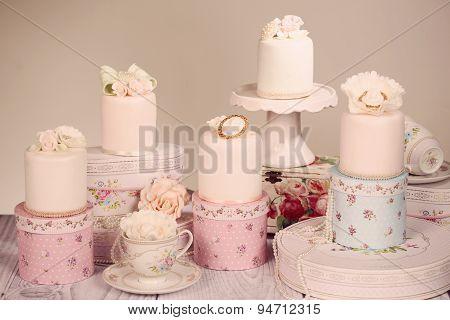 Mini Cake With Icing