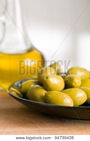 the green olives and olive oil
