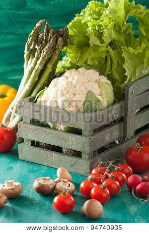 vegetables tomato radish asparagus cauliflower lettuce