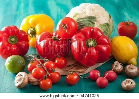 vegetables tomato pepper mushroom onion cauliflower