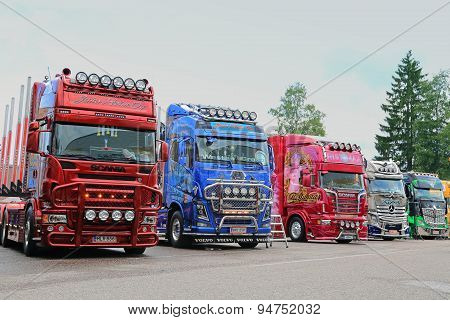 Line Up Of Show Trucks At Riverside Truck Meeting 2015