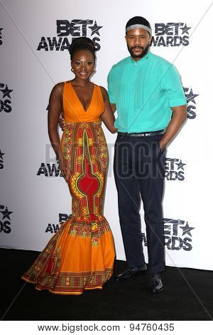 LOS ANGELES - JUN 28:  Naturi Naughton, Hosea Chanchez at the 2015 BET Awards - Press Room at the Microsoft Theater on June 28, 2015 in Los Angeles, CA