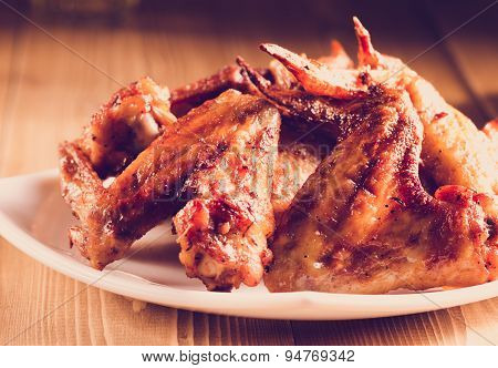 Roasted wings with sauce