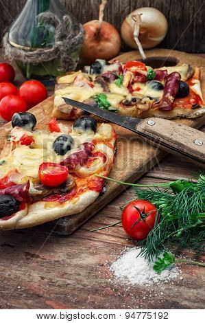 Flavorful Homemade Pizza With Bacon