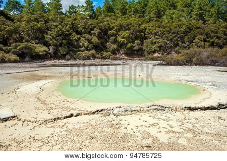 Beautiful turquoise lake at Wai-O-Tapu geothermal area, New Zealand