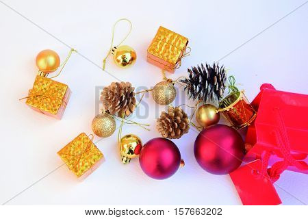 Purchase articles renewing the Christmas decoration with new shopping cart