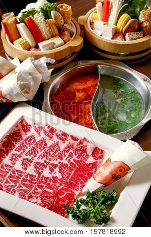 Double flavor hot pot with beef and vegetable set