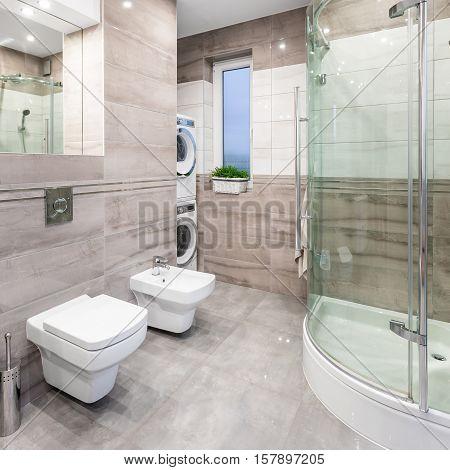 High-gloss Bathroom Idea