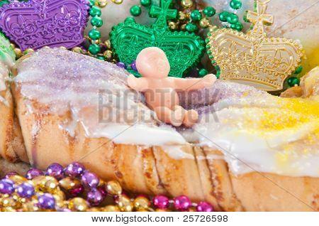 mardi gras cake  with beads