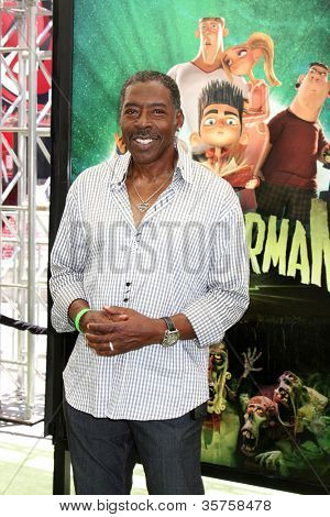 LOS ANGELES - AUG 5:  Ernie Hudson arrives at the
