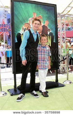 LOS ANGELES - AUG 5:  Dylan Riley Snyder, guest arrives at the