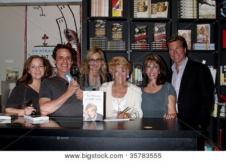 LOS ANGELES - AUG 7:  Tricia Cast, Christian LeBlanc, Jessica Collins, Jeanne Cooper, Kate Linder, Peter Bergman at Book Soup on August 7, 2012 in West Holltwood, CA