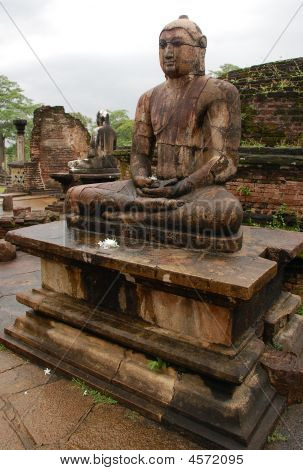 Seated Buddhas In Polonnaruwa Vatadage
