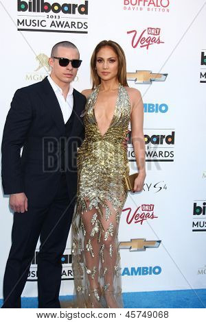 LOS ANGELES -  MAY 19:  Casper Smart and Jennifer Lopez arrive at the Billboard Music Awards 2013 at the MGM Grand Garden Arena on May 19, 2013 in Las Vegas, NV