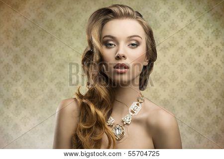 Sensual Fashion Aristocratic Girl
