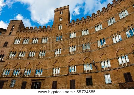 Piazza Del Campo At Siena