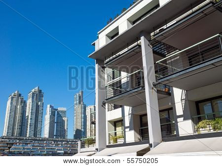Apartment house in Puerto Madero