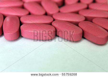 Tablets. Vitamins. Dietary supplement