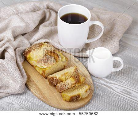 Appetizing Fruitcake And Coffee