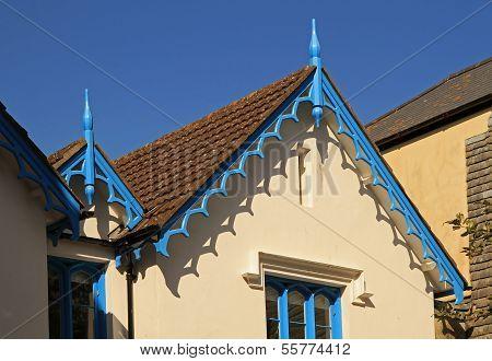 verzieren Dachüberstände