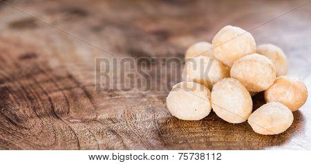 Roasted Macadamia Nuts