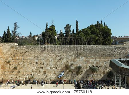 People at the wailing wall - Jerusalem