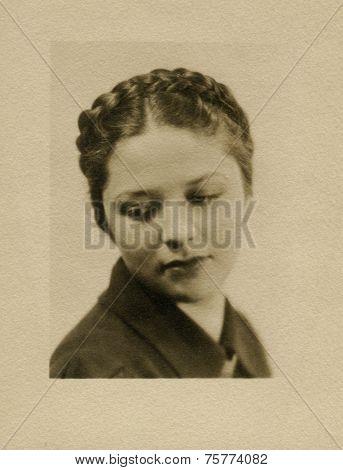 CANADA - CIRCA 1940s: Vintage photo shows portert of blond girl..