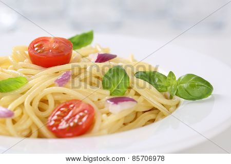 Spaghetti With Tomatoes Noodles Pasta On A Plate