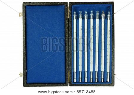 Set Glass Thermometers For Measuring The Temperature Of The Water.
