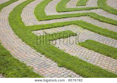 Grass and Cobblestone Maze