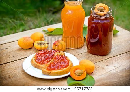 Apricot jam and apricot juice